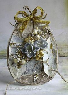Z lekkim opóźnieniem pokazuję dzisiejsze wielkanocne kartki w kształcie jaj.   Post powinien ukazać się zgodnie z planem w piątek :)     P...
