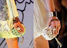 Flora, Fauna, Hortalizas y Pasta Dolce & Gabbana, Fauna, Versace, Bangles, Trends, Jewelry, Fashion, Vegetables Garden, Bracelets