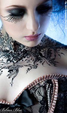 Beautiful henna designs, hand drawn mehndi albums - simple and elegant. From authentic indian patterns to modern arabic designs. Henna Tatoos, Henna Art, Neck Tattoos, Collar Tattoo, Tattoos Pics, Henna Body Art, Arabic Henna, Dark Beauty, Gothic Beauty