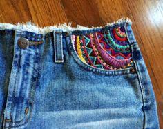 Bohemian Kleidung Boho Kleidung Hippie Kleidung (Diy Ropa) – DIY Ideen - Clothes for Women Diy Jeans, Mode Hippie, Hippie Style, Hippie Boho, Boho Gypsy, Bohemian Style, Gypsy Soul, Hippie Jeans, White Bohemian