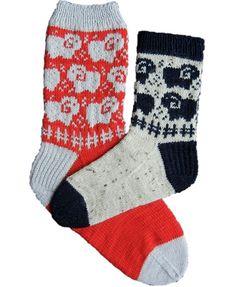 Sheep_graze_socks_v1.jpg