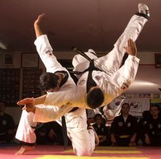One of the main goals of Hapkido practice is efficiency of movement. As Hapkidoin develop through practice, less and less effort is required. Eventually, the Hapkidoin's movements become nearly imperceptible and the attack is neutralized before the attacker realizes what has happened; both energies have become one.