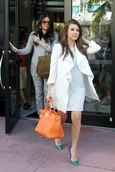 Khloe Kardashian and Kourtney Kardashian are spotted stopping for lunch at Milo's restaurant in Miami Beach