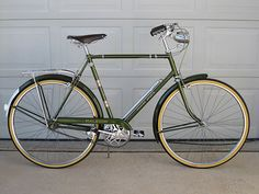 Vintage 1968 Raleigh Sports 3 Speed Cruiser