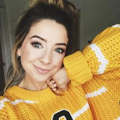Zoella: I've talked about this mascara A LOT in my videos, but the Maybelline Lash Sensational is by far my . Zoella Makeup, Zoella Beauty, Cute Fashion, Bikini Luxe, Zoe Sugg, Celebs, Celebrities, Woman Crush, Cute Outfits