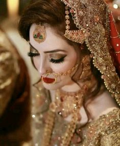 Here are many bridal pics having gorgeous make up. Pakistani Bridal Makeup, Pakistani Wedding Outfits, Bridal Outfits, Eid Outfits, Formal Outfits, Wedding Looks, Wedding Wear, Bridal Looks, Bridal Makeover