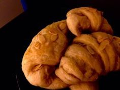Almond Croissants Home Made How to Guide Almond Croissant, Cookie Tray, Croissants, Irish, Blogging, Bread, Homemade, Cookies, Food