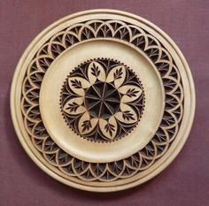 How to apply finish to a completed chip carving project. Wood Carving Patterns, Carving Designs, Chip Carving, Stencil Painting, Whittling, Teller, Pyrography, Wood Turning, Wood Crafts