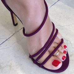 I love women's feet! Stilettos, Pumps Heels, Beautiful High Heels, Beautiful Toes, Sexy Legs And Heels, Sexy High Heels, Talons Sexy, Women's Feet, Feet Soles