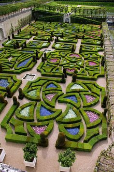 Spectacular Albi In a garden designed by the famed Andr Le N tre creator of the green geometries at Versailles the landmark Palais de la Berbie Berbie P u