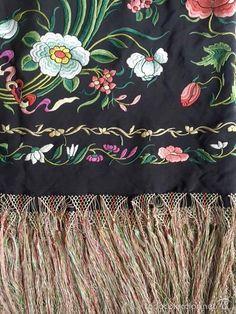 Antigüedades: Mantón de Manila antiguo en seda bordado a mano de entre 1860 y 1875 - Foto 7 - 57607713