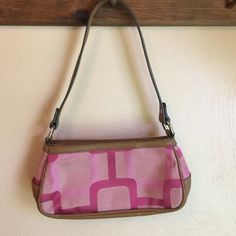 Nine West pink purse This is a small Nine West purse. Shades of pink squares. Inside compartment for credit cards and zipper pocket. In excellent condition. Also zipper out side pocket. Nine West Bags Mini Bags
