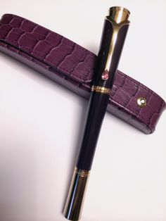 """MONTBLANC """"Princess Grace de Monaco"""" https://www.montblanc.com/ja-jp/flash/default.aspx/#/collections/writing-instruments/female/diva-line/princess-grace/princesse-grace-de-monaco-fountain-pen-106631"""
