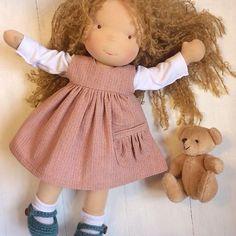 Друзья! Если вы хотите узнать стоимость кукол и остальную информацию , пишите мне личное сообщение пожалуйста  Ещё хочу сообщить , что к Рождеству я не успею сделать больше кукол , чем запланировала . Заказы смогу принять только после 15.12.17 . #вальдорфскаякукла #dollmaking #waldorfdoll #waldorfpuppe #вальдорфскаякукла #textiledoll