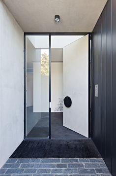 Boundary House-Tecture-The Local Project-Australian Architecture & Design-Image 2 Modern Entrance Door, Front Door Entrance, Entrance Foyer, Entrance Ways, Front Doors, Big Doors, Pivot Doors, Windows And Doors, Door Design