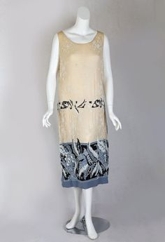1920s dress with border motif