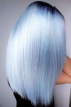 17 Wonderful Hair Colors - Ideas for Winter Hair Color - Cloud Blue Black Roots Blonde Hair Shades, Platinum Blonde Hair, Winter Hairstyles, Cool Hairstyles, Hairstyles Haircuts, Medium Hairstyles, Wedding Hairstyles, Curly Hair Styles, Natural Hair Styles