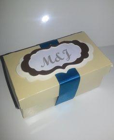 Caja para dulces o porcion de torta Materiales: cartulina cinta