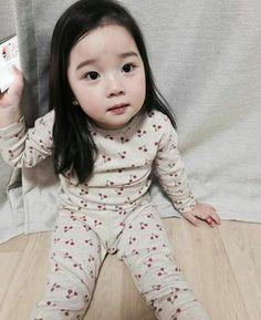 Fashion asian girl products 59 new Ideas Cute Asian Babies, Korean Babies, Asian Kids, Cute Babies, Baby Girl Nursery Themes, Baby Girl Bedding, Cute Toddlers, Cute Kids, Baby Girl Fashion