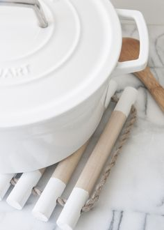 Create a beautiful and simple dowel trivet in just a few short steps.
