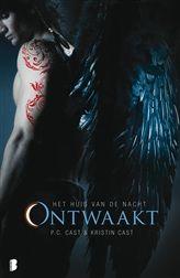 Ontwaakt, het achtste boek in de populaire serie Het huis van de nacht.   http://www.bruna.nl/boeken/ontwaakt-9789022566800