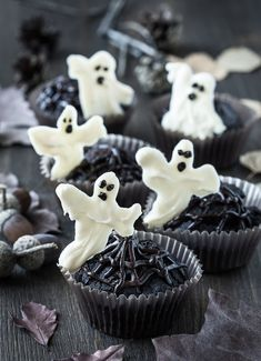 Bake a variety of treats for your next ghostly gala. Great ideas for a Halloween party.