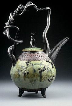 A gallery of Suzanne Crane's stoneware and pottery Ceramic Teapots, Ceramic Pottery, Pottery Art, Ceramic Art, Tee Kunst, Teapots Unique, Cuppa Tea, Teapots And Cups, Tea Art
