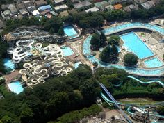 Huge Swimming Pool at Toshima-en (豊島園), famous amusement park in the suburbs of Tokyo