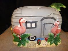 I would love to have this!!!  so cute! (Seen it on Ebay)..Vintage camper trailer Christmas Cookie Jar