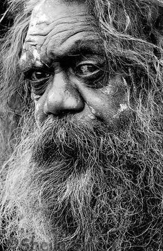 His face is timeless and the history held in his eyes is undeniable. As is the sorrow over the treatment of our people. Aboriginal Culture, Aboriginal People, Australian Aboriginals, Emotional Photography, Old Faces, Indigenous Art, People Of The World, Interesting Faces, Wonders Of The World