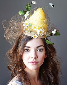 Are you looking for a very unique headpiece for your event ? This is a super sweet & whimsical bee hive & flower fascinator & its even ready Crazy Hat Day, Crazy Hats, Chapeaux Pour Kentucky Derby, Yellow Fascinator, Royal Ascot Hats, Light Gold Color, Tea Party Hats, Tea Parties, Kentucky Derby Race