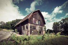 Studio Raketoplán, Stodola Benešov – foto © Lukáš Pelech The Best Revenge, Weekend House, Gable Roof, Arches, Grand Prix, My Dream Home, Studios, Sweet Home, Barn