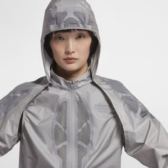 For Jun Takahashi's Nike Gyakusou collection addresses warm weather problems, ranging from flash rains to steamy temperatures and beyond. Sport Outfits, Cool Outfits, Gym Outfits, Nike, Pants For Women, Jackets For Women, Running Jacket, Rain Wear, Sport Wear
