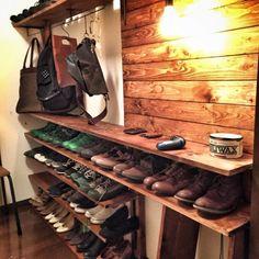 ディアウォールで解決!収納も壁掛けテレビも自由自在 | RoomClip mag | 暮らしとインテリアのwebマガジン Diy Furniture, Furniture Design, Tool Room, Workspace Design, Room Closet, Interior Design Living Room, Shoe Rack, Kitchen Decor, House Styles