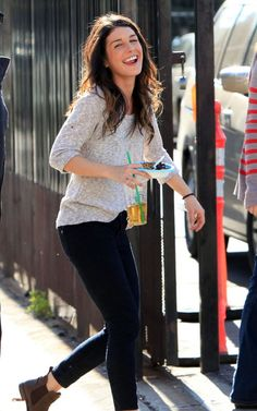 Shenae Grimes media gallery on Coolspotters. See photos, videos, and links of Shenae Grimes. 90210 Fashion, Fashion Tv, Look Fashion, Star Fashion, Fashion Outfits, Fall Winter Outfits, Autumn Winter Fashion, Winter Clothes, Celebrity Outfits