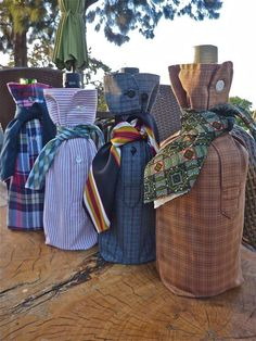 imagine showing up with your bottle of wine at the party with this! Upcycled Mens Shirt Sleeve Wine Bottle by VelvetmannaAndQuail (Christmas Bottle Bag) Tie Crafts, Fabric Crafts, Sewing Crafts, Sewing Projects, Diy Projects, Wine Bottle Covers, Design Blog, Bag Design, Wine Bottle Crafts