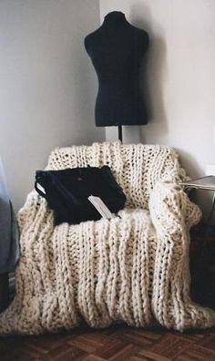 chunky knit blanket by Monixart