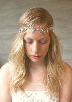 Simple Silver Vine Halo. Bridal Hair Vine with Freshwater Pearls and Crystals. Wedding Hair Adornment. Boho Hair Wreath.