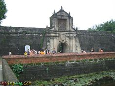 Philippines places | ... santiago entrance,historical place in manila,philippines,fort sandiago
