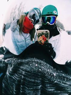 Skiing instagram picture ideas, friends trip, park city Utah,