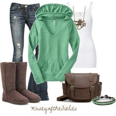 Another outfit that screams me with comfy boots and a hoodie to layer over a tank. It's a perfect fall outfit! Looks Street Style, Looks Style, Looks Cool, Look Fashion, Daily Fashion, Fashion Outfits, Womens Fashion, Fashion Trends, Fashionista Trends