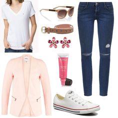Camiseta blanca básica de Tommy Hilfiger, gafas de sol oversize de Hugo Boss, skinny Jeans de Topshop, Blazer rosa palo de Only, cinturón con corazones de Springfield, pendientes con forma de flor de AZ Collection, brillo de labios rosa super duradero de Kiko y Converse All Star.