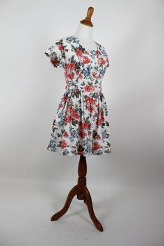 Vintage 1980's Floral Dress. All I need is a straw hat