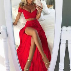 Two Piece Bright Red Off Shoulder Spaghetti Straps High Side Split Prom Dresses . Sarra Sahli Robes Two Piece Bright Red Off Shoulder Spaghetti Straps High Side Split Prom Dresses The long prom dress is fully lined, 4 bones in the bod Split Prom Dresses, Prom Dresses Two Piece, Simple Prom Dress, Chiffon Evening Dresses, Cheap Prom Dresses, Classy Dress, Homecoming Dresses, Sexy Dresses, Dress Long