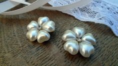 Your place to buy and sell all things handmade Pearl Flower, Jewelry Supplies, Heart Charm, 1950s, Craft Projects, Charms, Jewelry Making, Pearl Earrings, Beads