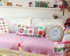 Haken en Meer kicked off the year with a long granny squares pillow