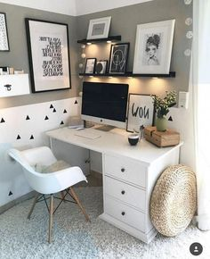 31 White Home Office Ideas To Make Your Life Easier; home office idea;Home Office Organ Bedroom Office Combo, Bedroom Desk, Room Ideas Bedroom, Small Room Bedroom, Small Rooms, Couple Bedroom, Small Spaces, Small Desk Space, Master Bedroom