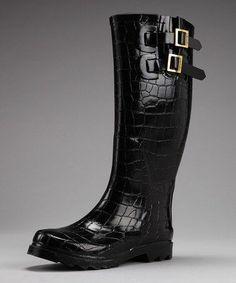 Black alligator buckle boots