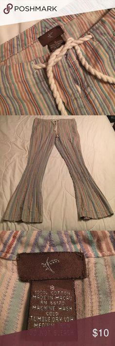 """Comfy Button-Fly Pants With Rope Tie Comfy Button-Fly Pants With Rope Tie with Approx 30"""" Inseam, not sure of the brand, selling for my daughter Unknown Pants"""