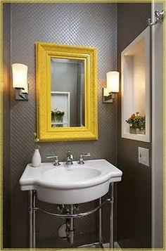 love this color scheme/mirror/lights for the bathroom - it would fit perfectly Yellow Mirrors, Small Toilet, Yellow Interior, Ideas Hogar, Yellow Bathrooms, Mirror Painting, Yellow Accents, Mirror With Lights, Mellow Yellow